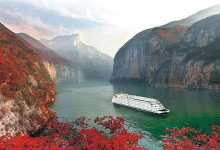 Red Leaves along Yangtze River